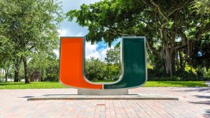 the university of miami logo on the front of the school
